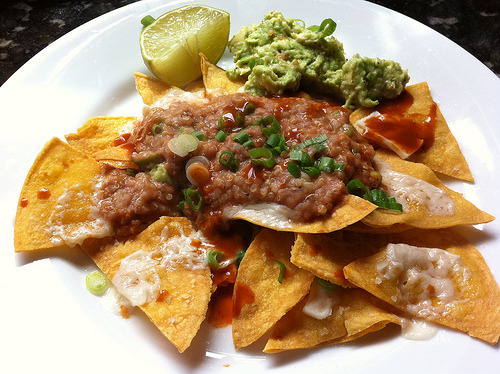 cravingsforfood:  Vegan, gluten-free nachos with guacamole.