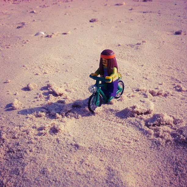 rynsr:  Bike to holiday #minifigures #lego #bike #sand #hippie (Taken with Instagram at Oar Island)