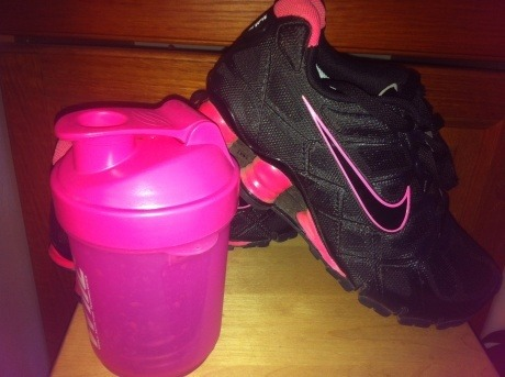 I have that protein shaker :) Cutest set ever!