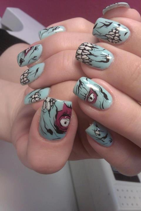 Nail art at its best #zombielove