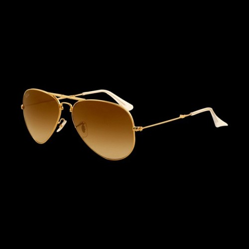Foldable Ray Ban aviators. I feel like maybe the hinges will break from all the folding but I still want them. So yeah someone get them for me as an early Christmas gift.  (Taken with Instagram)