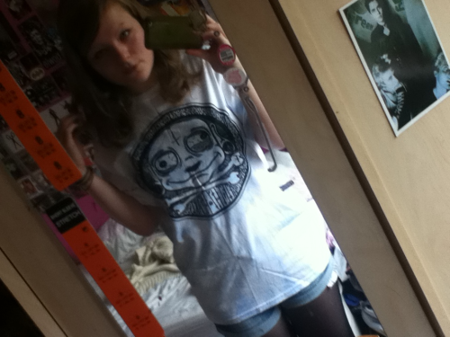 Yay! My Filthy Hearts t came! :')