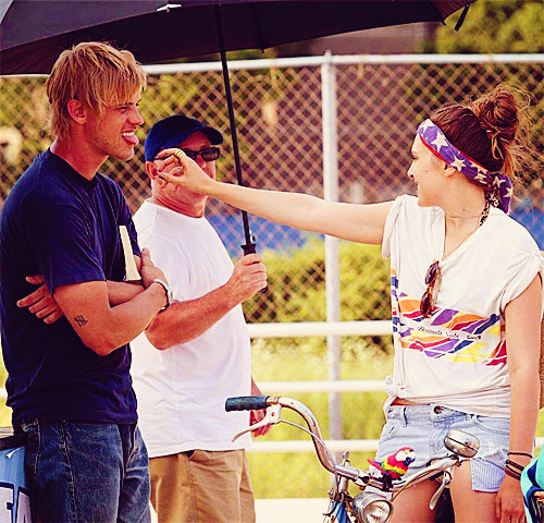 "Lizzie Olsen: On the Set of ""Very Good Girls"" / July, 17th 2012"