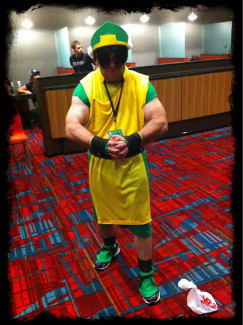 "Speaking of kick-ass Connecticon 2012 cosplay, check out Man-Toph! ""My name's Toph, cause it sounds like tough!"" This guy was awesome. Bravo dude. Don't worry, after taking the picture, I says ""Thanks man, you ROCK!"" ;D"