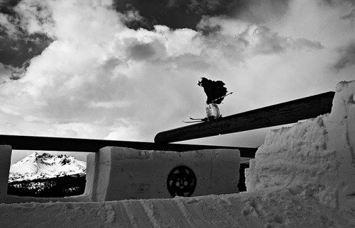 britishfreeskier:  ski-bum-life:  Jossi Wells on a T-rail at Mt. Bachelor Photo by Nate Abbott  Jossi ma dude