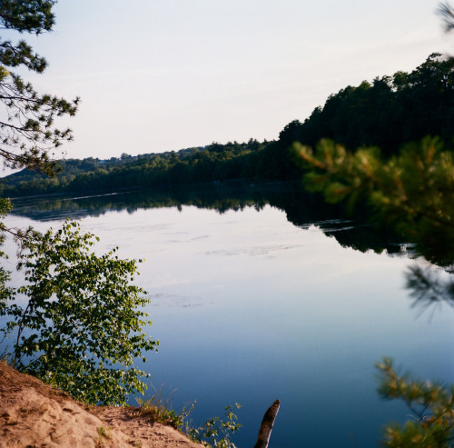 +An evening on the shore  Via Mamiya C330 w/ portra 400