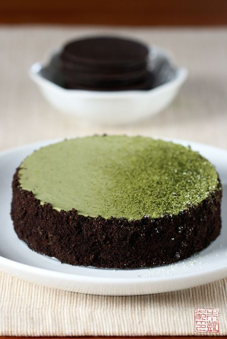 Green Tea and Chocolate Cheesecake by dessertfirstgirl
