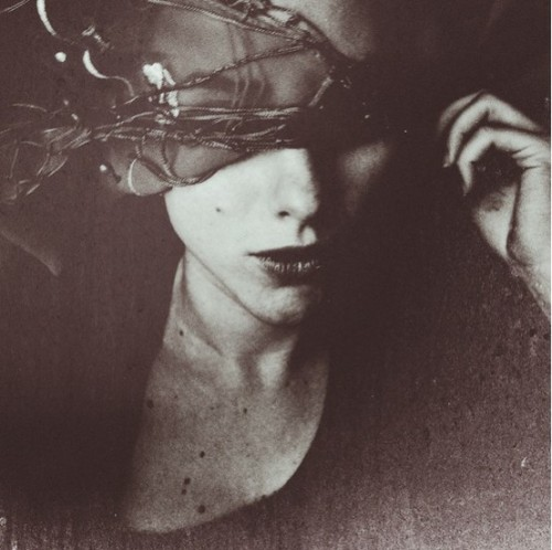 absintheduskandmagic:  blindfolded