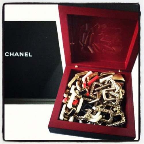 Sleek Storage Solution: I keep my @lia_sophia jewels in a @chanel makeup box from the Fall 2007 show! @intel #ultrabookstyle  (Taken with Instagram)