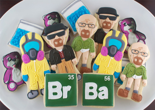breakingbadamc:  Breaking Bad cookies http://www.semisweetdesigns.com