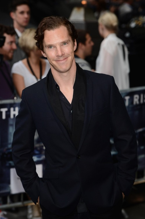 deareje:  high res, Benedict Cumberbatch at TDKR premiere.