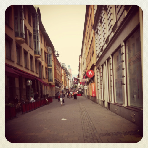 A photo from our Stockholm adventure! More than anything there, it´s fun to walk around and explore the beautiful city with its beautiful buildings.