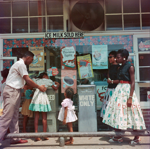 "Recently The Gordon Parks Foundation discovered over 70 unpublished photographs by Parks at the bottom of an old storage box wrapped in paper and marked as ""Segregation Series."" These never before series of images not only give us a glimpse into the everyday life of African Americans during the 50′s but are also in full color, something that is uncommon for photographs from that era.  Oh my gosh!"