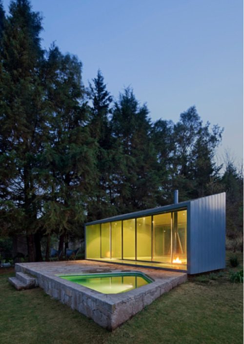 Things That Rock Our World: This Understated House + Pool