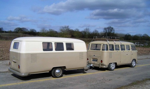 theramblingsofacornishman:  Finally! Been searching for an image of a VW camper trailer conversion like this :D When I get my VW Split Screen, I am getting a second to make a trailer similar to this :D   You that's actually from a company that custom makes those, right?