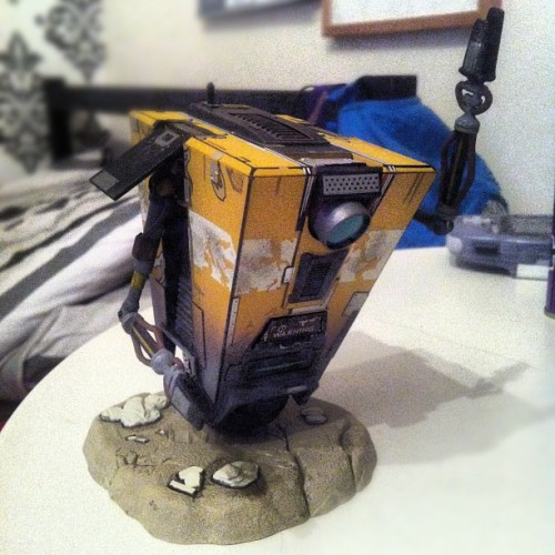 This turned up at my house today.. Bought it 9months ago haha! #claptrap #borderlands #robot #figure (Taken with Instagram)