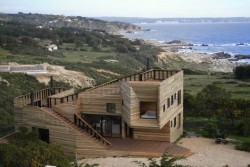 Sticking with the oversized log cabin themes, this is a beaut in Chile. Thoughts?  Source: http://blog.wanken.com/12224/metamorphosis-house-in-chile/