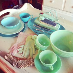 A good weekend. A good vintage haul. My jadite, jadeite, jade-ite collection grows.