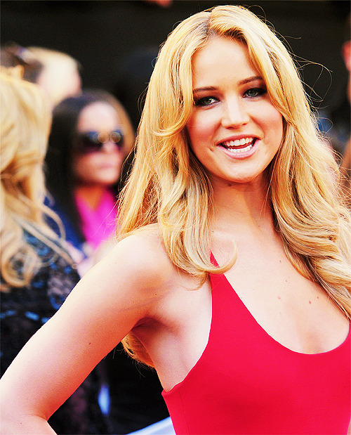 100 pictures of Jennifer Lawrence (93/100)