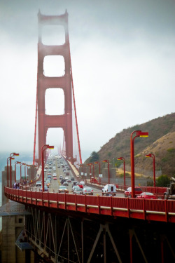 surferdude182:  Golden Gate Bridge (by rawmeyn)
