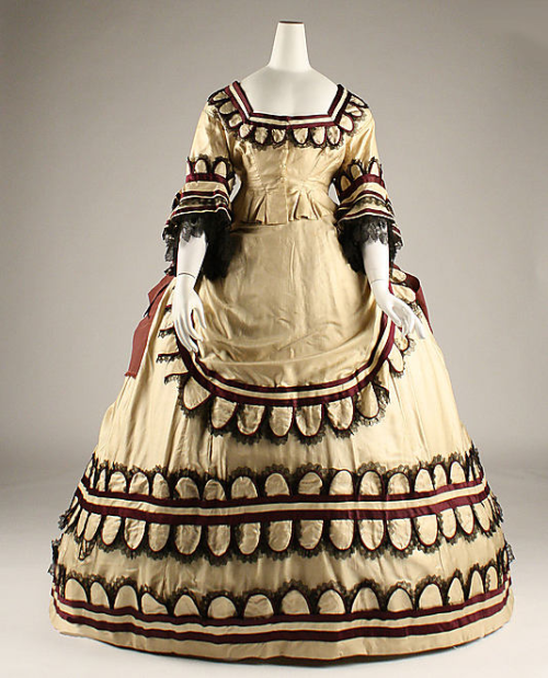 Dress 1868 The Metropolitan Museum of Art