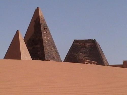 nefferamaat:  Did you know that Egypt, has the fewest pyramids in Africa?  Did you know that Sudan, Ethiopia and Zimbabwe have more pyramids (225 pyramids in Sudan alone) then all of Egypt.  There are remains of pyramids in South Africa, all the way along the Eastern and Northern parts of Africa and archeologists now believe that they may have found the remains of pyramids in West Africa. Why are we only taught that what is now known as Egypt (that tiny strip of land) is the only place where pyramids are in Africa, when in fact the ENTIRE continent of Africa (nearly 400 pyramids not just the six in Egypt) And Archeologist now believe that the pyramids in southern Africa may be the OLDEST pyramids in the world, followed by The Sudanese and Ethiopian pyramids, the West African pyramid ruins, and the North African Pyramids of so-called Egypt. (And im not even going to get into the fact that there are younger pyramids stretching FROM Africa in China, Italy, Europe and South America) WOW Im Amazed neffera tiy maat bringing one truth at a time  Yaaaaaa