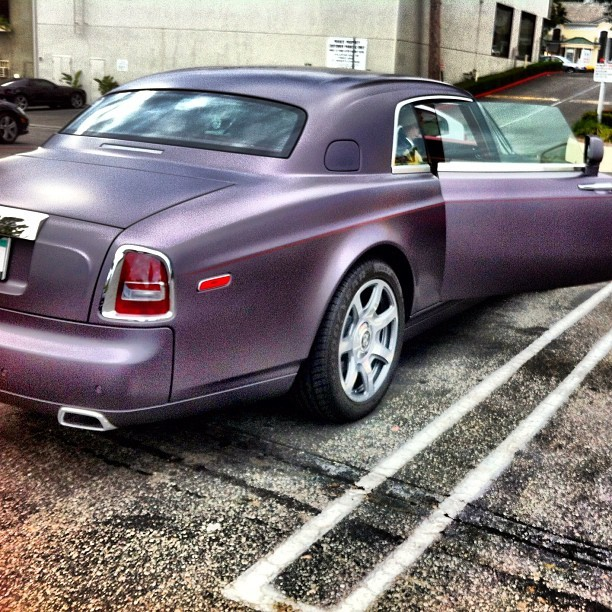 That matte eggplant lifestyle. #rollsroyce #phantomcoupe #drophead  (Taken with Instagram at Sunset Plaza)