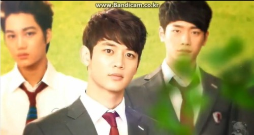MINHO!!! oh, why, hello there kai :P