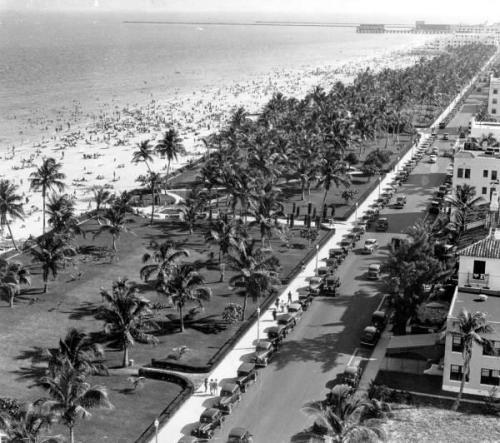 oldflorida:  There's always a party in South Beach, 1930's.  Maybe it's because it has been raining for almost the entirety of the past three months, but I've suddenly been overcome with a desire to live somewhere with palm trees