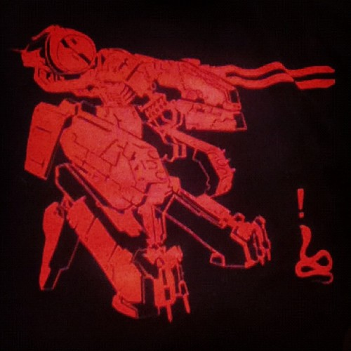 MG-REX by Drew Wise shirt via TheYetee! Showing my love for Metal Gear Solid and Rex! #metalgearsolid #metalgear #drewwise #theyetee #rex #shirt #tee #tshirt #design #gaming #videogame #mgs  (Taken with Instagram at Outer Heaven)