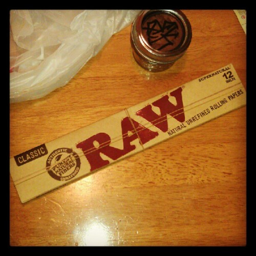 "#12inch #rollingPaper #RAW we about to her real high…put oz"" in that bitch.. @bkinthesouth @lilbittatxyall4 @gcakes @psez  (Taken with Instagram)"