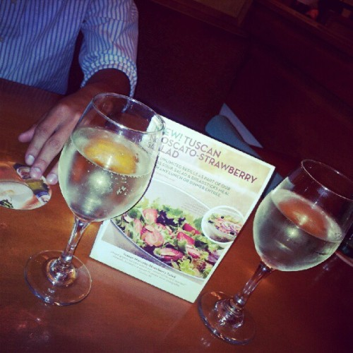 #lets #get #the #party #started #wine #coworkers #friends #olivegarden #dinner  (Taken with Instagram at Olive Garden)