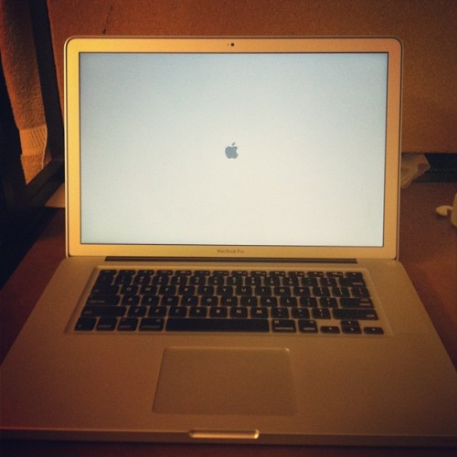 Finally my new MacBook pro!!! #apple #macbook #pro  (Taken with Instagram at UT 433 kk & stubabyyy)