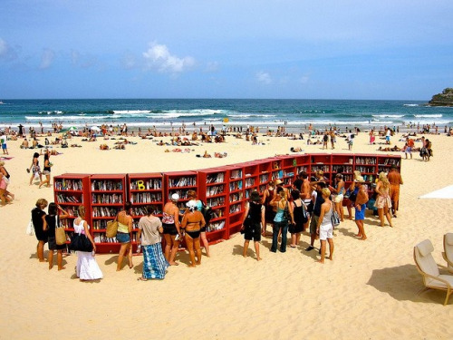 Genius idea! xnayfie:  Book swap on Bondi Beach
