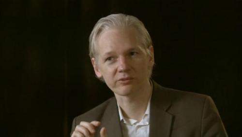 (Video) War on WikiLeaks: John Pilger interviews Julian Assange http://mys.tc/2bh