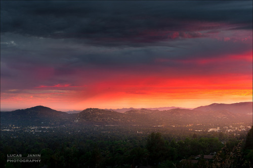 Natural painting on Flickr.Mountain, Altadena, California, USA One of the last ray of sun light tonight in Altadena…. Magical moment… When the sun play to be an artist…