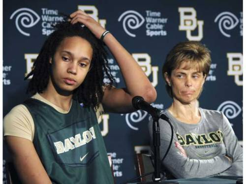 thedailysienna:  my favorite!  Brittney Griner… What a beast