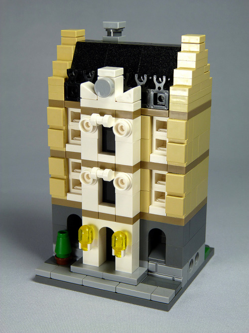 "LEGO Mini Modular MOC: ""Manor-house"" (by moctown)"