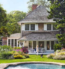 georgianadesign:  Fisher family East Hampton cottage. Francesco Lagnese photo in Traditional Home.