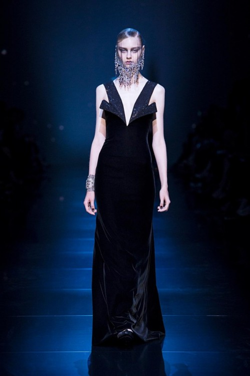 Giorgio Armani's Fall 2012 fashion Couture collection for Armani Privé