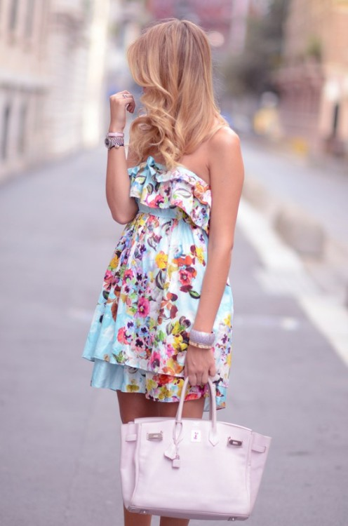 preciousdailyoutfits:  floral summer dress