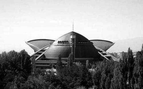 sovietbuildings:  Armenia, Yerevan, Sports and concerts complex, 1984