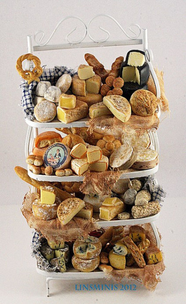allthesmallthingsminiatures:  Cheese & bread shelves 1a by linsminis on Flickr.