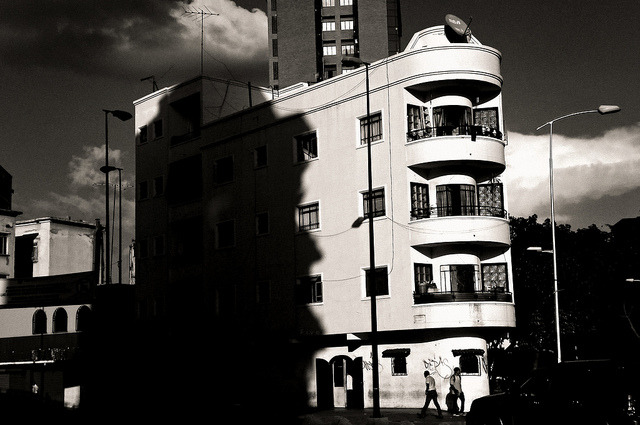 descubre sombra on Flickr.desaparece Caracas @FiverWeed twitter / flickr / blogger / tumblr