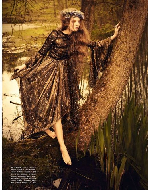 So Full of Dreams - Eniko Mihalik by Ellen von Unwerth for Vogue Italia.  Reminds me of the Pre-Raphaelites!