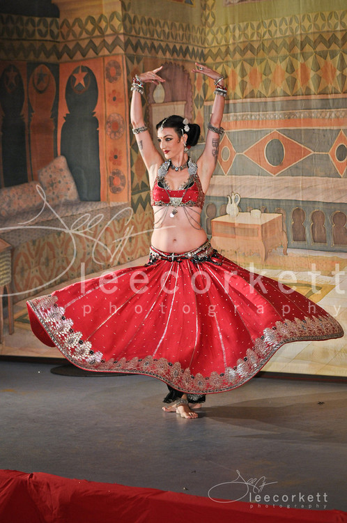 amslammin:  Beautifully gorgeous Collena Shakti (via Tribal Fest 2012 - Performance Portraiture | Lee Corkett Photography and Digital Design)