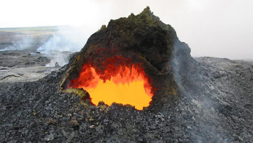 mothernaturenetwork:  Origin of volcanic hotspots revealed in lab X-raysA better understanding of hotspots may help scientists learn more about the composition of early Earth.