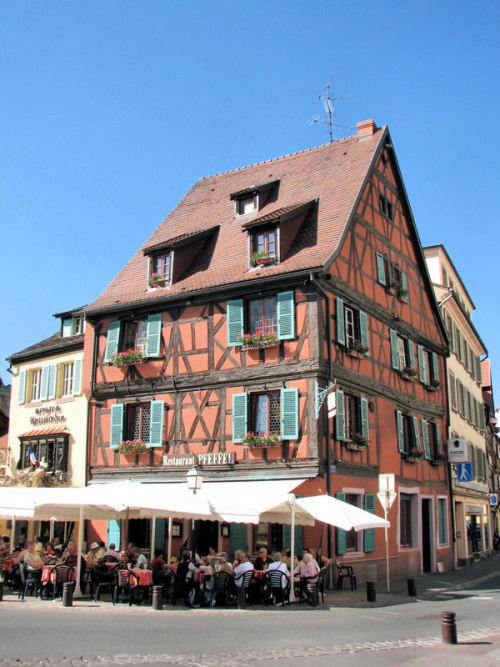 (via Maison à colombages, a photo from Alsace, East | TrekEarth) Colmar, Alsace, France