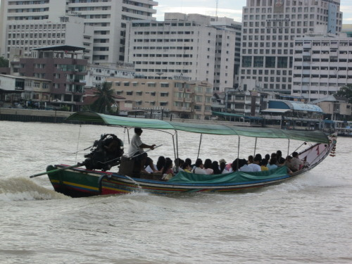 Long boat on the Chao Phraya (BKK 2012)