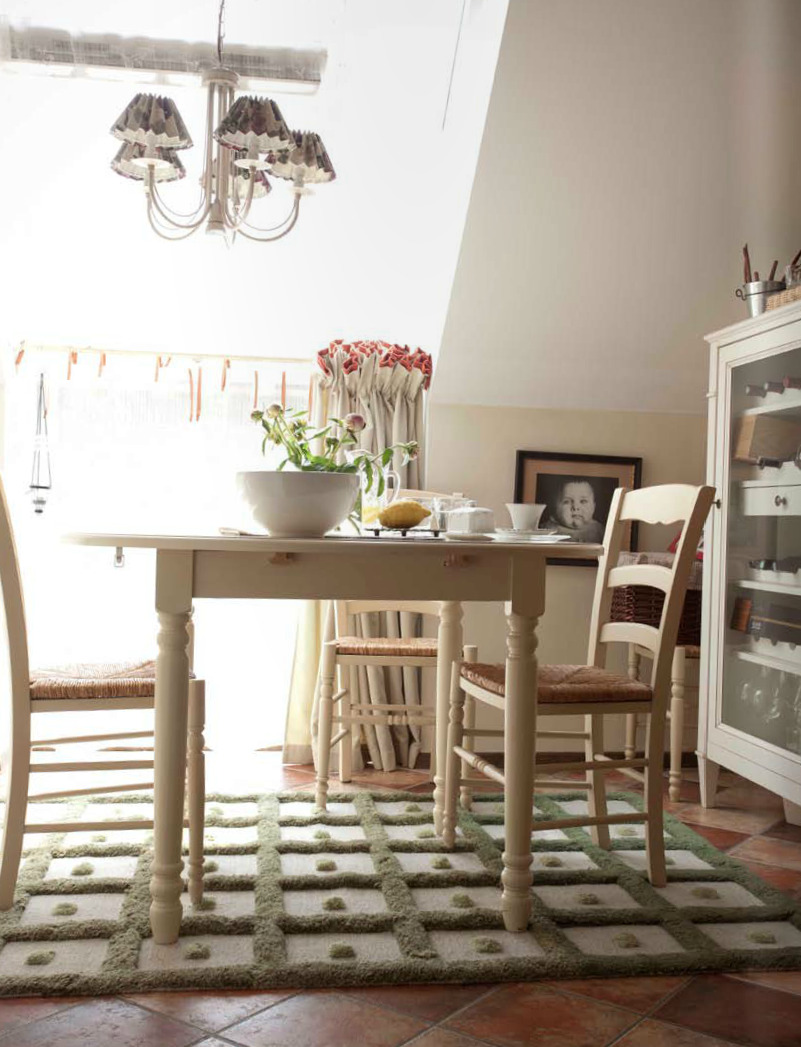 (via decorology: Muted and beautiful - a lovely house tour)